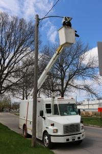 Installing LED Street Light
