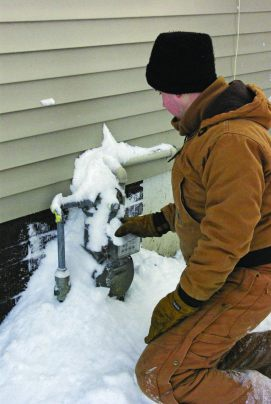 Clearing snow gas meter